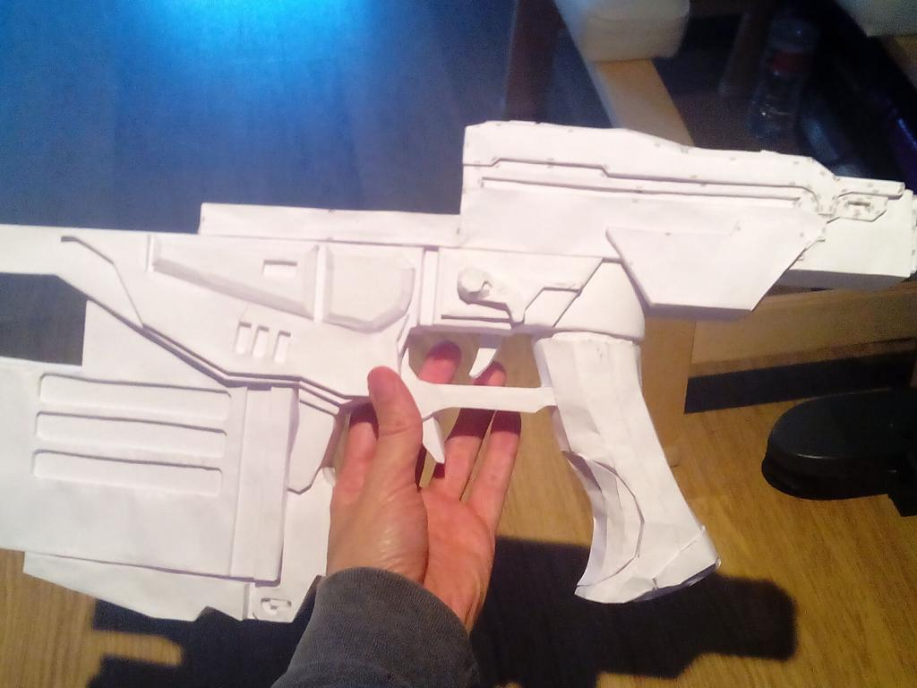 Gear of Wars paper lancer real size prototype